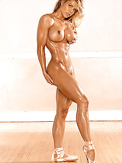 Nude muscled women