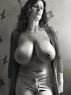 Big Boobs Mature Ladies Pics