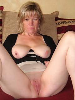 Best mature pussy pics