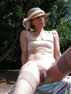 Hottest naked girls vegina young
