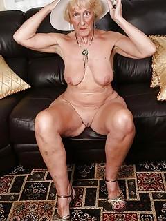 Huge bbw thighs
