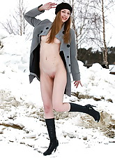 Nude Winter photo 10