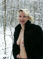 Nude Winter photo 10
