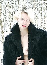 Nude Winter photo 7