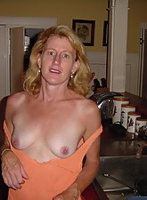 Mature Pussy Pics photo 1