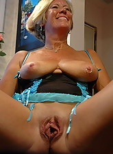Mature Pussy Pics photo 2